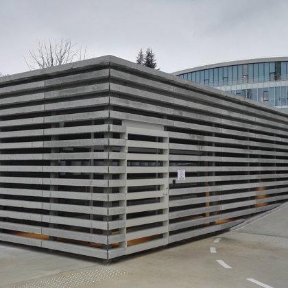 betonines lameles zaliuzi
